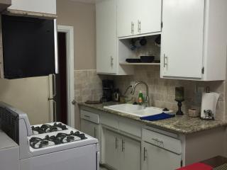 Super affordable gorgeous  home near beach downtow, Long Beach