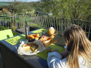 1er petit déjeuner sur la terrasse aujourdhui
