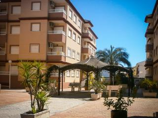 Alicante province, rural village apartment in gated complex wheelchair access., Algorfa