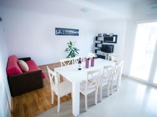 Comfortable & spacious apartment Rocco, Bibinje