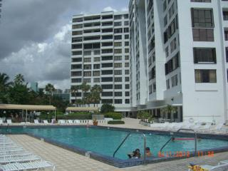 Amazing Beachfront 2 bdr 2 bath - Great  amenities