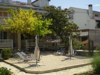 Apartment Frankic (II) 30 m from the sea, Barbat na Rabu