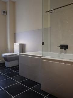 Family Bathroom in the Bakehouse, Mid Wales Holiday Lets, Self Catering Apartments in Rhayader.