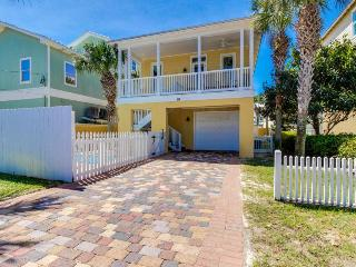 Spacious home w/ private pool and jet tub, near Frangista Beach!