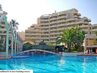 Benalbeach 1 b. charming apartment with sea views, WIFI & International TV.