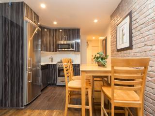 NEWLY RENOVATED 2 BR GRAMERCY/ MURRAY HILL 8559