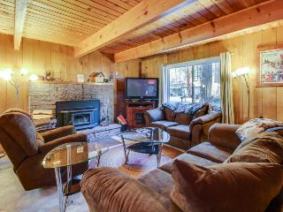 Easy-access alpine home, w/prime location & plenty of room!, South Lake Tahoe