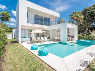 Naples - Naples Park / Uptown Designer Pool Home