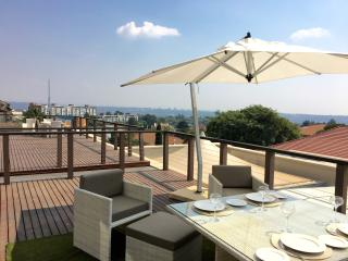 Sandton Skye luxury  furnished secure with deck, Johannesburg