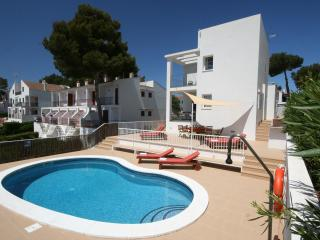 Großzügige Villa mit Pool, Cala Galdana