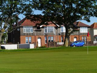 The 19th Hole Harling Dr Troon