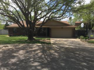 4 BR 2 BA family home on cul-de-sac & golf course