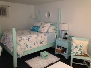Studio Beach Rental with Ocean View, North Hampton