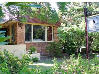 Kookaburra Cottage (2 Queen beds, 2 Single beds), Katoomba