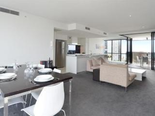 WALKDOWN CAVILL AVE TO THE BEACH 2 BED APT. a2101, Surfers Paradise