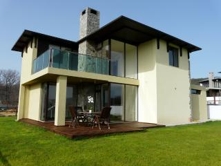 4 bed sea view for 12 near Albena, Osenovo
