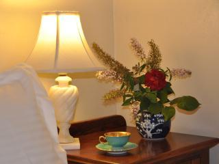Romantic double bedroom with garden view