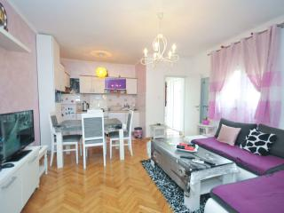 Apartment for 4 per,  with a private area of 140m2, Budva