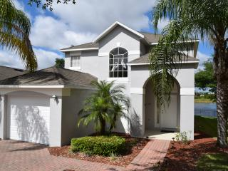 Recently Decorated 4BR/3BA Golf Villa With Lake View, Haines City