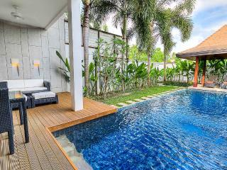 Townhome with 3 bedrooms and private pool, Nai Harn