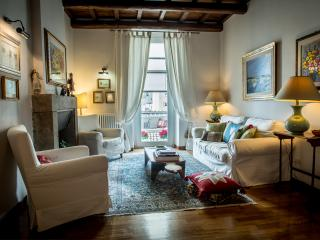 Historic house of 1500 near lake Rome free wifi, Bracciano