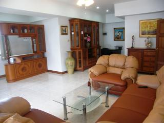 2 Bedrooms Condo 250 meters from the beach, Jomtien Beach