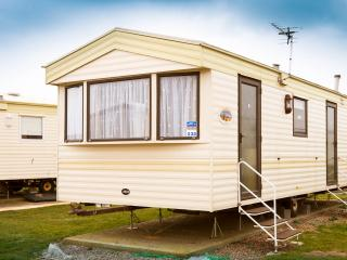6 Berth Static Caravan @ Park Resorts, Camber, Carrossage