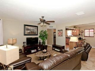 Havasu Hillside Oasis 3BD/2BA Family Friendly Home