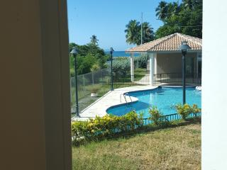 Casa Córdoba 2, is a beautiful 3 brm 2 bath apt. pool & beach!!, Rincon