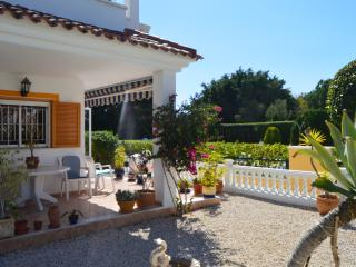 Townhouse in Mil Palmeras overlooking pool, Torre de la Horadada
