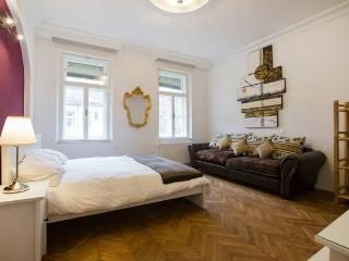 Private Sauna - 3 Bedrooms - Central, Vienna