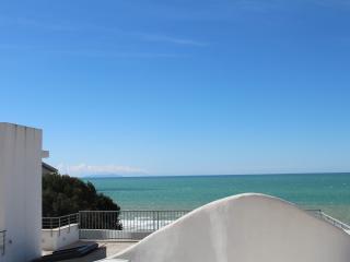 casa vacanze con terrazza panoramica, Castiglioncello