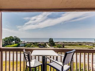2 Bedroom 2 Bath Oceanfront View  Condo 40