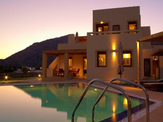 Lindos Villa 4 bedrooms with private pool