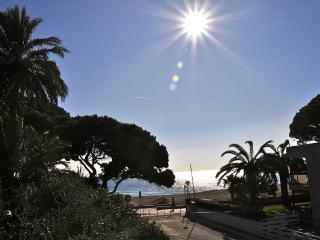 Villa Mediterránea, lujo y confort junto al mar