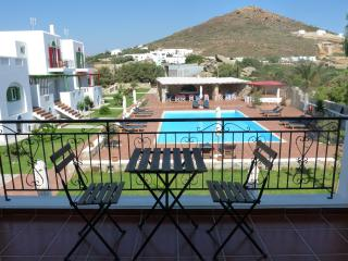 Two-Bedroom Maisonette, Pool and country view, Stelida
