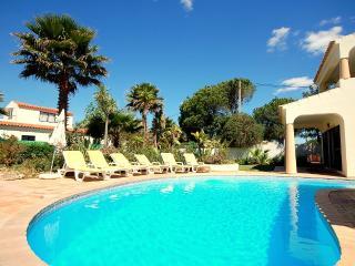 Villa Victor - Spectacular villa with pool and BBQ, Vilamoura