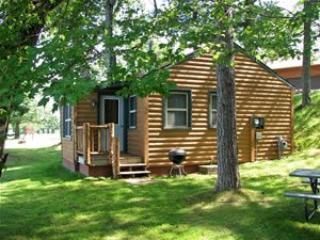 Minocqua Shores Resort - Cabin #1