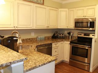 Beautifully updated two bed, two bath villa!, Hilton Head