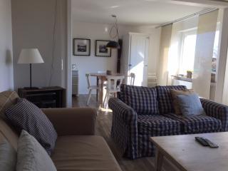 Gemütliches renoviertes Wohn- und Esszimmer