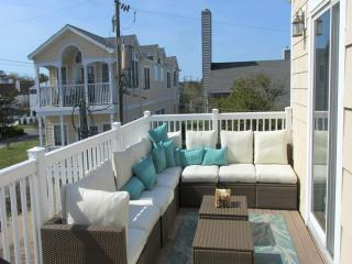 4 Bdrm North End Virginia Beach 57 1/2 w/ elevator