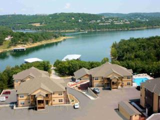 Simply the best - lakefront, lakeview condo, Branson West