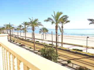 Amazing terrace in front of the sea, Campello