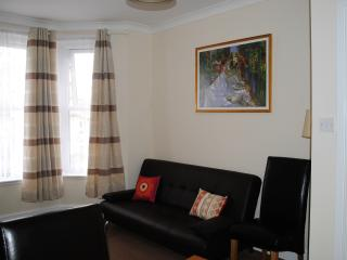 Warm and cozy apartment in Medway, Gillingham
