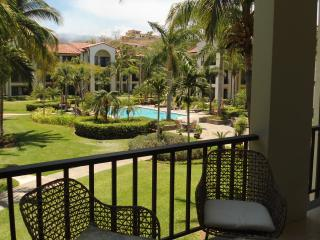 Pacifico Lifestyle 1006, modern 3BR/2BA condo, Playas del Coco