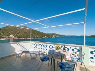 Beachfront Apartment Stojan1