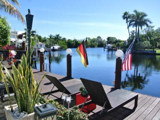 WATERFRONT DREAM AND DESIGN, Wilton Manors