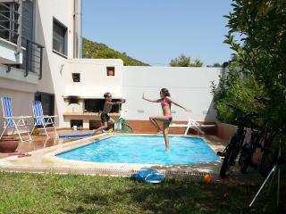 Yro' s Villa, Anavyssos