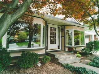 Ideal Location. Charming house., Bethesda