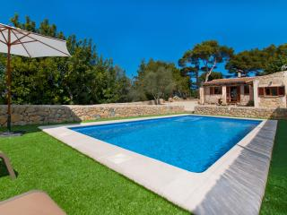 FERIENHAUS in ALCUDIA  with POOL & WLAN & BBQ, max 6